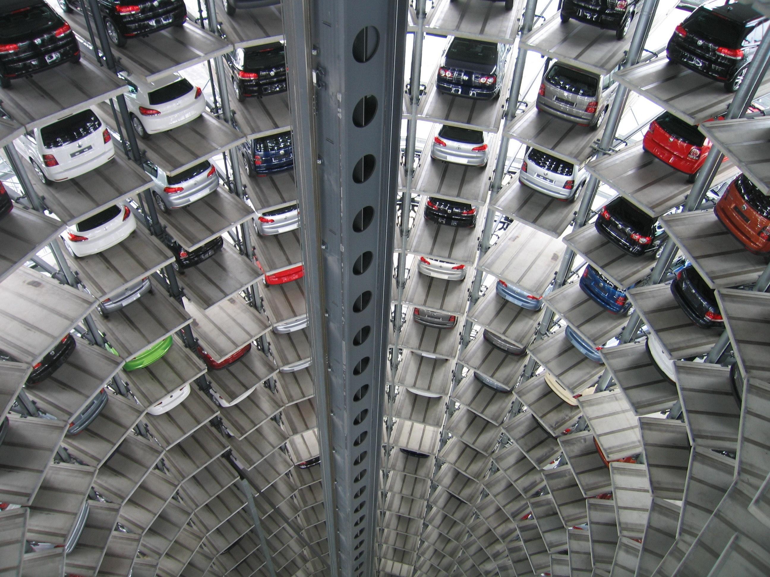 Bilar i mängder